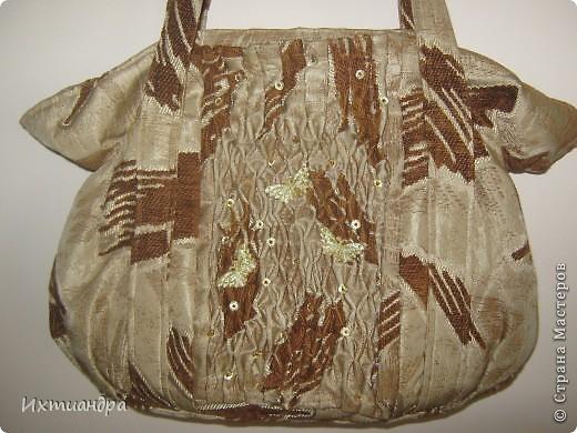 Летняя сумочка из старых джинсов. Рыбки украшены бисером. фото 21