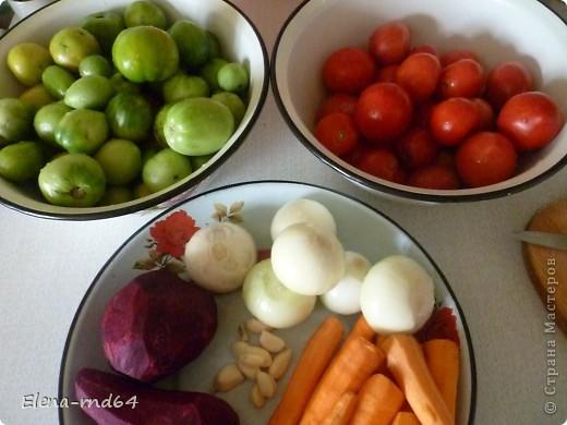 Всем доброго времени суток.Вот такую зимнюю(да и не только)закуску готовим из остатков помидоров,в том числе и из зеленых фото 2