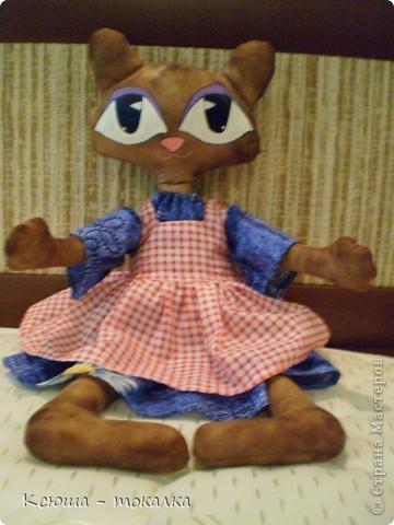 Таких кошек в сети много, знаю, но я ведь только начинаю учиться пошиву игрушек:) Вот такая девочка родилась вчера ночью. фото 2