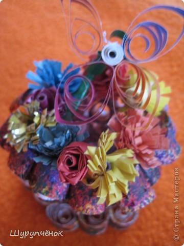 Проба пера в квиллинге. 3-Д Ваза с цветочками и бабочкой. :) фото 1