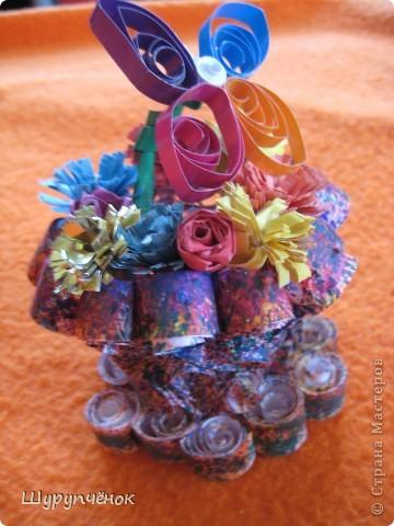 Проба пера в квиллинге. 3-Д Ваза с цветочками и бабочкой. :) фото 2