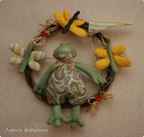 Кукла Тильда лягушка с бабочками