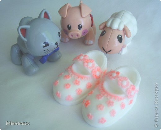 Мыло для детских ручек из основы на козьем молоке.  (Зверюшки не мыло.) фото 1