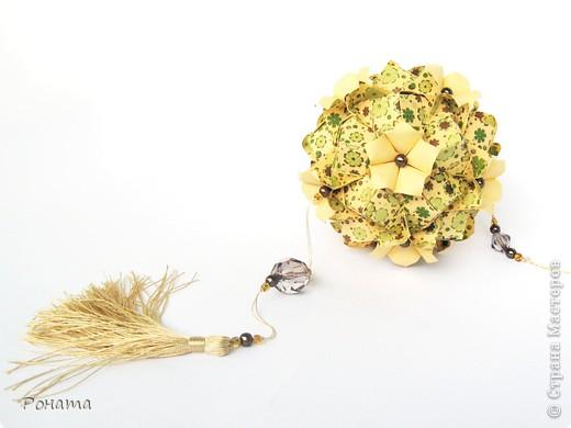 Всем-всем привет! Вот и я)) С новой порцией кусудам от Марии Синайской.  Name: Petal swirl, variation Designer: Maria Sinayskaya Parts: 30 Paper: 7.5*7.5 cm Final height: ~8 cm фото 7