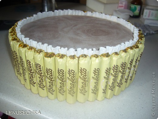 Вот такой тортик у меня получился. Надо еще добавить немного зелени. фото 11