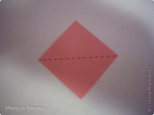 """Решая, какие именно цветочки посадить на Электру, я остановилась на модуле кусудамы """"Цветок"""". Только вот я решила делать элементы цветочка чуть проще: не из квадратика, а из треугольника. Тогда сами лепесточки с тычинками получаются нежнее (тычинок меньше и лепестки в один слой бумаги). фото 2"""