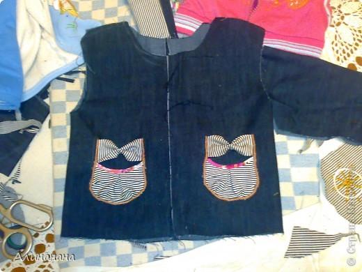 Джинсовая курточка шилась на машинке Джаноме самой простой, которая выполняет строчку и зигзаг фото 8