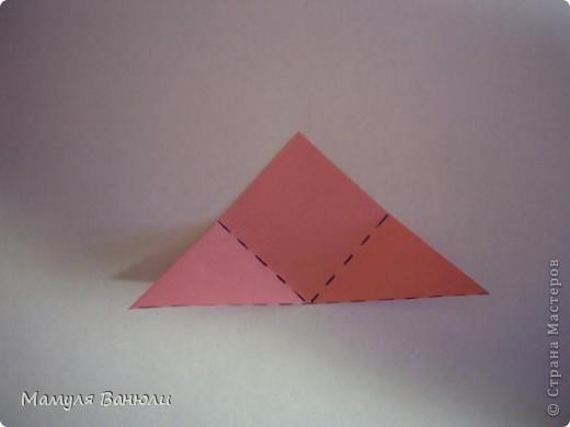 """Решая, какие именно цветочки посадить на Электру, я остановилась на модуле кусудамы """"Цветок"""". Только вот я решила делать элементы цветочка чуть проще: не из квадратика, а из треугольника. Тогда сами лепесточки с тычинками получаются нежнее (тычинок меньше и лепестки в один слой бумаги). фото 6"""