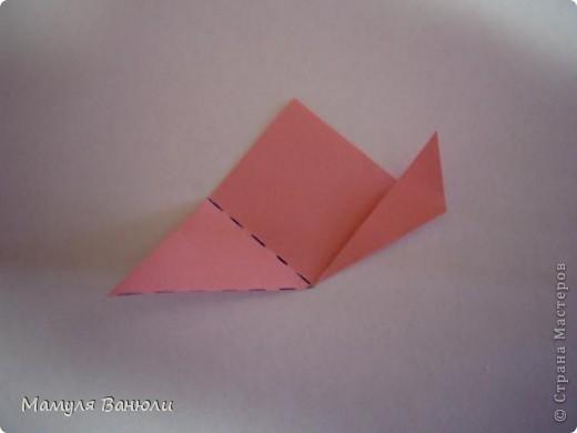 """Решая, какие именно цветочки посадить на Электру, я остановилась на модуле кусудамы """"Цветок"""". Только вот я решила делать элементы цветочка чуть проще: не из квадратика, а из треугольника. Тогда сами лепесточки с тычинками получаются нежнее (тычинок меньше и лепестки в один слой бумаги). фото 7"""