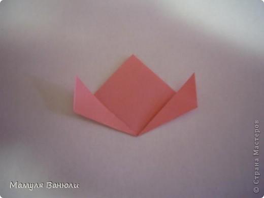 """Решая, какие именно цветочки посадить на Электру, я остановилась на модуле кусудамы """"Цветок"""". Только вот я решила делать элементы цветочка чуть проще: не из квадратика, а из треугольника. Тогда сами лепесточки с тычинками получаются нежнее (тычинок меньше и лепестки в один слой бумаги). фото 8"""