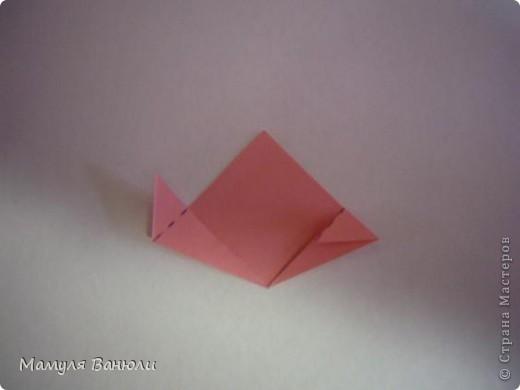 """Решая, какие именно цветочки посадить на Электру, я остановилась на модуле кусудамы """"Цветок"""". Только вот я решила делать элементы цветочка чуть проще: не из квадратика, а из треугольника. Тогда сами лепесточки с тычинками получаются нежнее (тычинок меньше и лепестки в один слой бумаги). фото 10"""