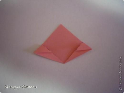 """Решая, какие именно цветочки посадить на Электру, я остановилась на модуле кусудамы """"Цветок"""". Только вот я решила делать элементы цветочка чуть проще: не из квадратика, а из треугольника. Тогда сами лепесточки с тычинками получаются нежнее (тычинок меньше и лепестки в один слой бумаги). фото 11"""