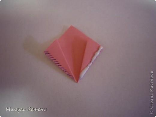 """Решая, какие именно цветочки посадить на Электру, я остановилась на модуле кусудамы """"Цветок"""". Только вот я решила делать элементы цветочка чуть проще: не из квадратика, а из треугольника. Тогда сами лепесточки с тычинками получаются нежнее (тычинок меньше и лепестки в один слой бумаги). фото 14"""