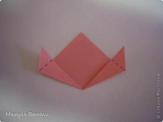 """Решая, какие именно цветочки посадить на Электру, я остановилась на модуле кусудамы """"Цветок"""". Только вот я решила делать элементы цветочка чуть проще: не из квадратика, а из треугольника. Тогда сами лепесточки с тычинками получаются нежнее (тычинок меньше и лепестки в один слой бумаги). фото 9"""