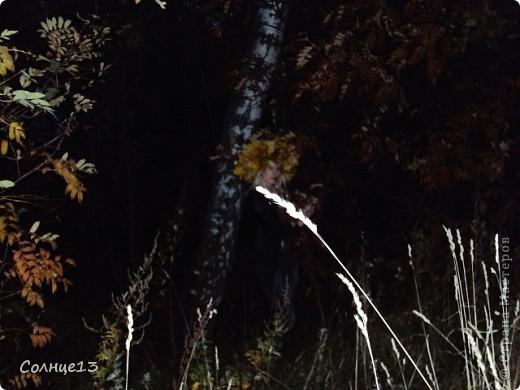 В эту субботу провожали бабье лето))) и решили сплести венок из кленовых листьев, с которым и провели фото сессию... фото 4