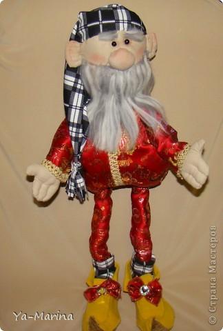 Интерьерная кукла. Шилась без выкроек.... Высота ГНОМА около 60 см, но, если честно, я его не измеряла. фото 2