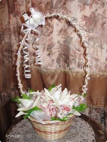 """Свадебная конфетная корзинка """"Любовь и голуби"""" фото 2"""