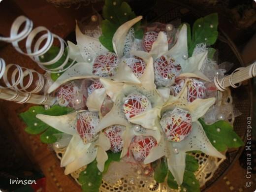 """Свадебная конфетная корзинка """"Любовь и голуби"""" фото 4"""