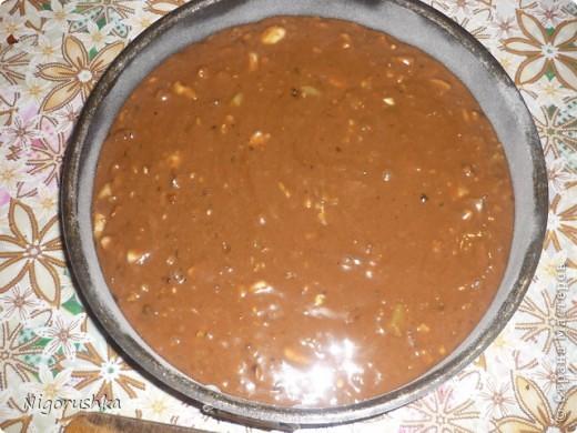 Постная медовая коврижка с сайта russianfood.com от Юляшки-вкусняшки Продукты:  1 стакан сахарного песка (можно 0,5 стакана), 3 ст. л. меда, 1 стакан воды, 0,5 стакана растительного масла рафинированного, 2 ст. л. какао (или кофе),  1 ч. л. соды, пряности измельченные (гвоздика, корица, кориандр),  0,5 стакана изюма, 0,5 стакана грецких орехов (можно больше), 1,5-2 стакана  муки  фото 7