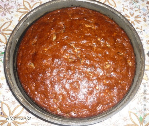 Постная медовая коврижка с сайта russianfood.com от Юляшки-вкусняшки Продукты:  1 стакан сахарного песка (можно 0,5 стакана), 3 ст. л. меда, 1 стакан воды, 0,5 стакана растительного масла рафинированного, 2 ст. л. какао (или кофе),  1 ч. л. соды, пряности измельченные (гвоздика, корица, кориандр),  0,5 стакана изюма, 0,5 стакана грецких орехов (можно больше), 1,5-2 стакана  муки  фото 8
