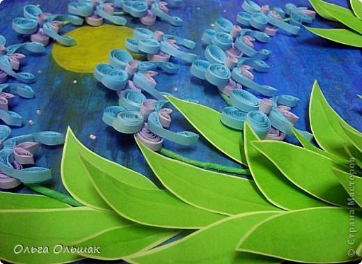 Выросли старые орхидеи на новом месте.А получилось это так:эти орхидеи: http://stranamasterov.ru/node/55764,  мы дарили с Катей классному руководителю в 2010 году,тогда я ещё не умела углублять рамочки,вот и решили взять работу на реставрацию-углубить рамочку,спрятать работу под стекло.    фото 4