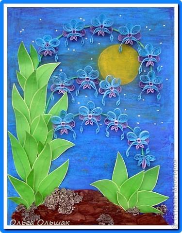 Выросли старые орхидеи на новом месте.А получилось это так:эти орхидеи: http://stranamasterov.ru/node/55764,  мы дарили с Катей классному руководителю в 2010 году,тогда я ещё не умела углублять рамочки,вот и решили взять работу на реставрацию-углубить рамочку,спрятать работу под стекло.    фото 1