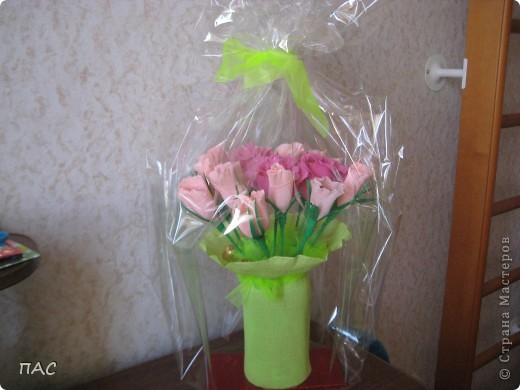 Мой первый букет из конфет, который я сделала, благодаря этому сайту. Спасибо всем за подробные мастер-классы! фото 2
