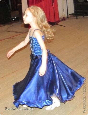 Платье для дочки на выпускной в детском саду, шила сама. Ткань - креп-сатин, верхний слой - органза. фото 5