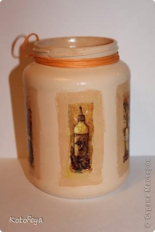 Одновременно с вазой сделала баночку под лопатки, венчики и всякие кухонные штучки. Заняла свое место на кухне фото 4