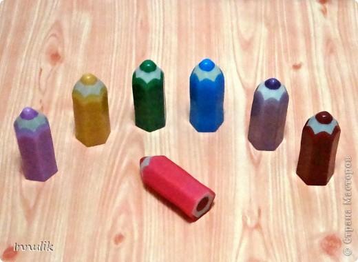 """Вот такой карандашный комплект у меня получился. Ароматы у """"карандашиков"""" (в зависимости от цвета) - фруктовые, ягодные, цветочные, а также мятный (зеленый) и шоколадный (коричневый).  фото 1"""