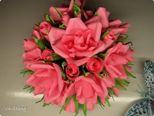 Букетик из бутонов и роз. фото 1
