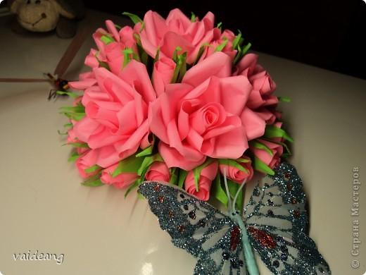 Букетик из бутонов и роз. фото 2