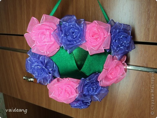 Букетик из бутонов и роз. фото 6