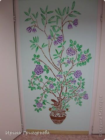 Трафаретная роспись стены фото 1