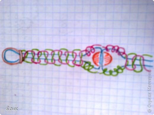 Эти браслеты сделаны из остатков бусинок,бисера и т.п. фото 3