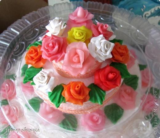 Девчонки мои потребовали, что бы и на СЮТе был мой тортик. Решила сделать круглый  на этот раз. фото 8
