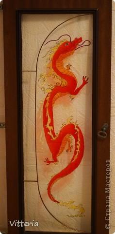 Дракон и ирисы. Роспись по стеклу фото 1