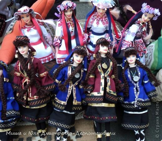 Продолжаем бродить по празднику города Тбилиси. На этот раз обратим внимания на куклы!  фото 3