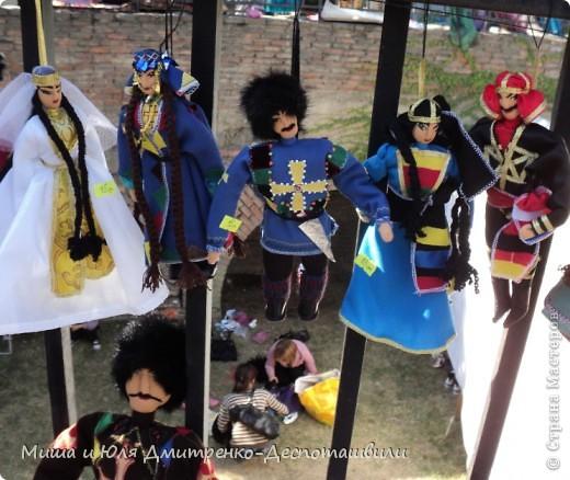 Продолжаем бродить по празднику города Тбилиси. На этот раз обратим внимания на куклы!  фото 7