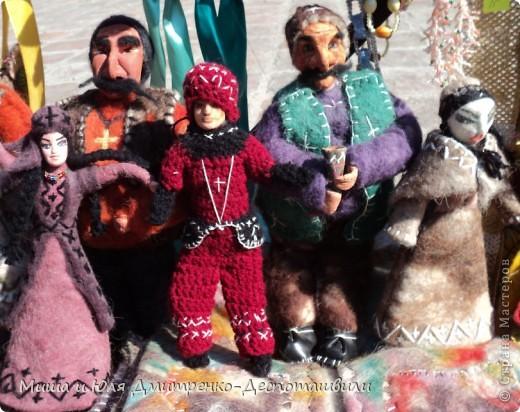 Продолжаем бродить по празднику города Тбилиси. На этот раз обратим внимания на куклы!  фото 9