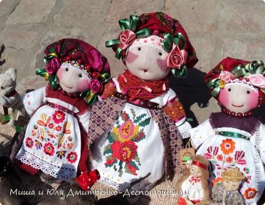 Продолжаем бродить по празднику города Тбилиси. На этот раз обратим внимания на куклы!  фото 10