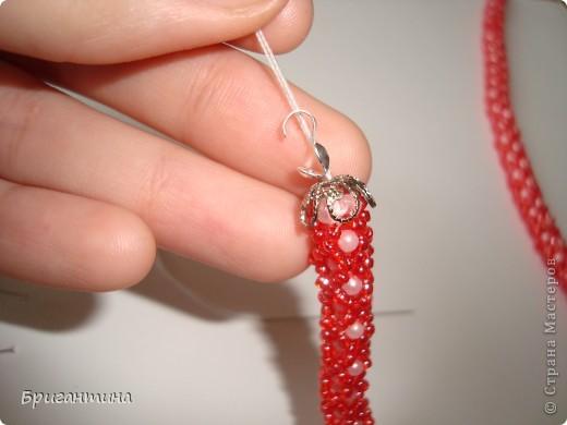 Вот такое интересное плетение решила попробовать. Получился комплект ожерелье + серьги-колокольчики. И опять для мамы :-) фото 39
