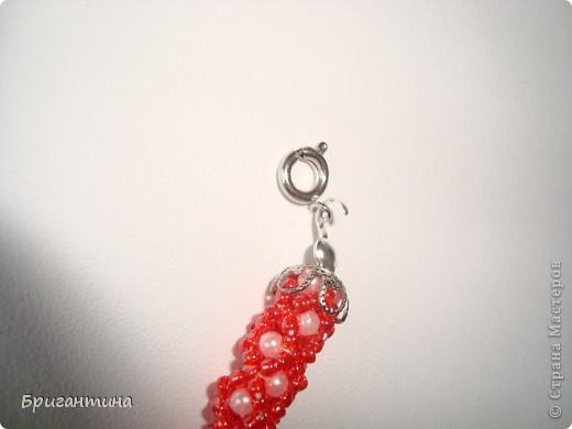 Вот такое интересное плетение решила попробовать. Получился комплект ожерелье + серьги-колокольчики. И опять для мамы :-) фото 42