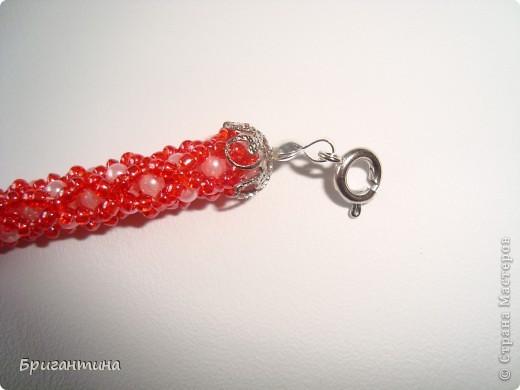 Вот такое интересное плетение решила попробовать. Получился комплект ожерелье + серьги-колокольчики. И опять для мамы :-) фото 43
