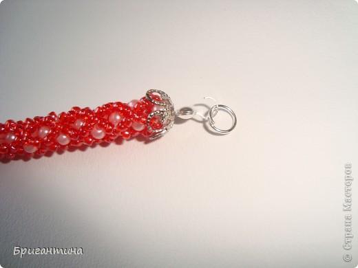 Вот такое интересное плетение решила попробовать. Получился комплект ожерелье + серьги-колокольчики. И опять для мамы :-) фото 44