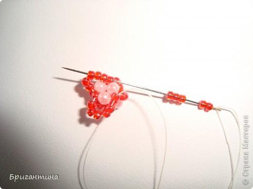 Вот такое интересное плетение решила попробовать. Получился комплект ожерелье + серьги-колокольчики. И опять для мамы :-) фото 16