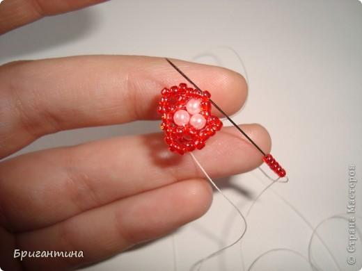 Вот такое интересное плетение решила попробовать. Получился комплект ожерелье + серьги-колокольчики. И опять для мамы :-) фото 21