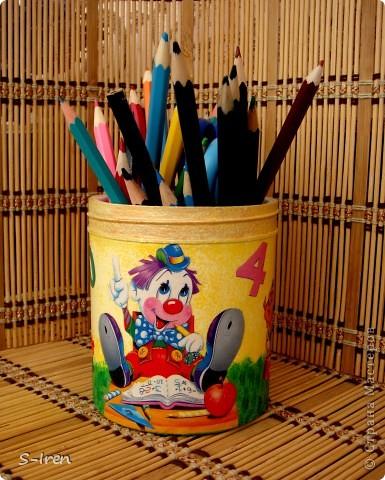 Карандашница для сына дошкольника. Теперь карандаши не валяются по всему столу.... фото 1