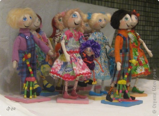 Нашила ещё стайку куклёшек для своих куклёшек:)   фото 10