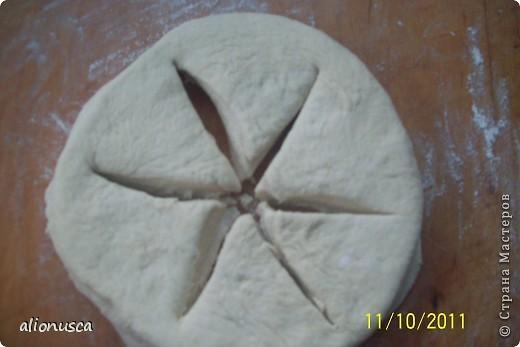 Вот что у меня получилось из простого дрожжевое тесто для хлеба,  источник вдохновения - Валентина Цуркан. Моя идея сделать такое из простого тесто.   http://www.liveinternet.ru/users/4067968/post188801237  фото 2